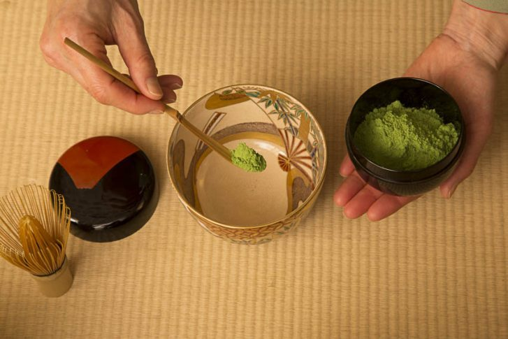 matcha-tea-ceremony-step-5